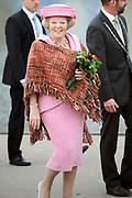 Koninginnedag 2008 / Queensday 2008. <br /> <br /> Koningin Beatrix viert Koninginnedag dit jaar in Friesland. De vorstin en haar familie bezochten op 30 april Makkum en Franeker.<br /> <br /> Queen Beatrix celebrates Queensday this year in Friesland (the Nothren provice in Holland). The Queen and its family visited Makkum and Franeker on 30 April.<br /> <br /> Op de foto/ On the Photo:<br /> <br /> <br /> <br /> <br /> Queen Beatrix