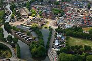 Nederland, Utrecht, Woerden, 22-05-2011; het centrum van Woerden van oudsher legerplaats en vesting, herkenbaar aan de stervorm. Onder in beeld, rond de Sint-Bonaventurakerk, het Defensie-eiland met het Kasteel van Woerden en loodsen van het voormalige Centraal Magazijn van Kleding en Uitrusting van de landmacht.  .Center of Woerden, traditional army town and fortress, identifiable by the star shape. Lower part, around the St. Bonaventure Church, the .Defence Island with Castle Woerden and barracks of the former Central Warehouse for Clothing and Equipment of the army..luchtfoto (toeslag); aerial photo (additional fee required);.foto Siebe Swart / photo Siebe Swart