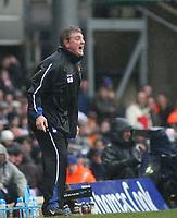 Photo: Mark Stephenson.<br /> Birmingham City v Cardiff City. Coca Cola Championship. 04/03/2007.Birminham's Steve Bruce shouts his orders