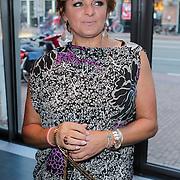 NLD/Amsterdam/20120420 - Show Joan Collins, Caroline Tensen