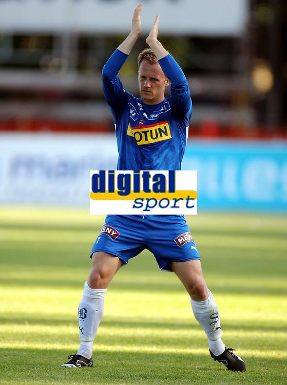 Fotball , 16. juli 2006 , Tippeligaen , Sandefjord - Molde 5-2 , <br /> Tommy Knarvik , Sandefjord