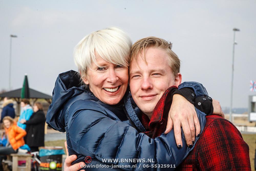 NLD/Biddinghuizen/20160306 - Hollandse 100 Lymphe & Co 2016, Monique des Bouvrie en zoon Jan des Bouvrie Jr.