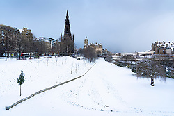 Edinburgh, Scotland, UK. 9 Feb 2021. Big freeze continues in the UK with Storm Darcy bringing several inches of snow to Edinburgh overnight. Pic; East Princes Street Gardens looking pristine in snow. Iain Masterton/Alamy Live news