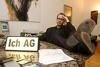 03 DEC 2002, BERLIN/GERMANY:<br /> Peter Kees, Kuenstler, nimmt die Aufforderung zur Gruendung von ICH AGs woertlich und versendet Rechnungen an Politiker in denen er Lebenszeitsleistung, Demokratische Aktivitaetspauschale und den Kultur und Kunstbeitrag seinerselbst berechnet, in seiner Wohnung, Prenzlauer Berg<br /> IMAGE: 20021203-01-010<br /> KEYWORDS: Künstler