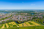 Nederland, Noord-Brabant, Den Bosch, 13-05-2019; 's-Hertogenbosch gezien vanuit de Bossche Broek, vanuit het Zuiden. Singelgracht met Bastion Oranje. <br /> 's-Hertogenbosch seen from the Bossche Broek, nature reserve south of the city .<br /> luchtfoto (toeslag op standard tarieven);<br /> aerial photo (additional fee required);<br /> copyright foto/photo Siebe Swart