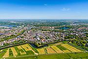 Nederland, Noord-Brabant, Den Bosch, 13-05-2019; 's-Hertogenbosch gezien vanuit de Bossche Broek, vanuit het Zuiden. Singelgracht met Bastion Oranje. <br /> 's-Hertogenbosch seen from the Bossche Broek, nature reserve south of the city .<br /> luchtfoto (toeslag op standard tarieven);<br /> aerial photo (additional fee required);<br /> copyright foto/photo Siebe Swart