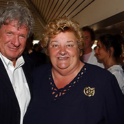 NLD/Bloemenaal/20050601 - Haringparty Showtime Noordzee FM, Willibrord Frequin en Erica Terpstra