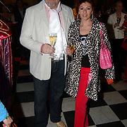 Modeshow Ronald Kolk 2005, Ernst Daniel Smid en partner Rosamarie Giessen van der Sluis