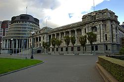 Uma cidade grande com ares de interior. Assim pode ser caracterizada a capital da Nova Zelândia. Situada no extremo sul da Ilha Norte, Wellington é o ponto de ligação entre as duas ilhas sendo parada obrigatória para a maioria dos viajantes. Sede do parlamento nacional, ela também abriga grande número de tesouros nacionais, guardados em museus e galerias. Toda essa cultura aflorando pelas ruas com cafés e bares de requinte, misturada com colinas que proporcionam vistas incríveis da costa, fazem de Wellington um dos pontos mais charmosos da Nova Zelândia. FOTO: Lucas Uebel/Preview.com