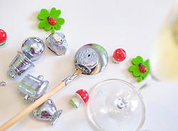 THEMENBILD - das Bleigießen ist ein Orakel-Brauchtum, das am Silvesterabend praktiziert wird. Glücksklee, Fliegenpilze und Marienkäfer werden gerne als Glücksbringer für ein gutes, neues Jahr verschenkt, aufgenommen am 17. Dezember 2017, Kaprun, Österreich // The lead casting is an oracle tradition, which is practiced on New Year's Eve. Lucky clover, toadstools and ladybirds are often given away as good luck charms for a happy new year on 2017/12/17, Kaprun, Austria. EXPA Pictures © 2017, PhotoCredit: EXPA/ Stefanie Oberhauser