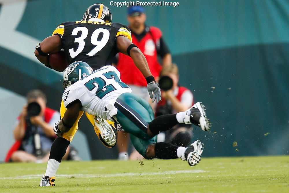 21 Sept 2008: Philadelphia Eagles SS Quintin Mikell #27 brings down Pittsburgh Steelers running back Willie Parker #39 during the game against the Pittsburgh Steelers on September 21st, 2008.  The Eagles won 15-6 at Lincoln Financial Field in Philadelphia Pennsylvania.
