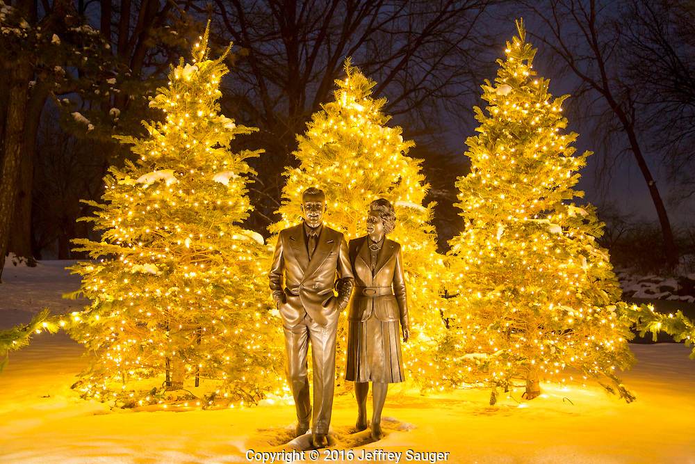 Enjoy a holiday evening stroll throughout the Ford House grounds under thousands of glimmering lights! Glowing luminaries, toasty fire pits, carolers, hot cocoa and toasty treats will warm your spirits along the mile-long walk at the Edsel & Eleanor Ford House in Grosse Pointe Shores, MI. The Winter Wonderland runs December 2, 3, 9, 10, 16 and 17, 2016. (Jeffrey Sauger/Edsel & Eleanor Ford House)