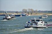 Nederland, Waal, 5-3-2013Druk verkeer van binnenvaartschepen op de waal, rijn, richting het duitse ruhrgebied.Foto: Flip Franssen/Hollandse Hoogte