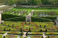 France, Indre-et-Loire (37), Vallée de la Loire classée Patrimoine Mondial de l' UNESCO, jardins et château de Villandry. // France, Indre et Loire (Department), Loire valley (Unesco World Heritage), Villandry garden and castle.