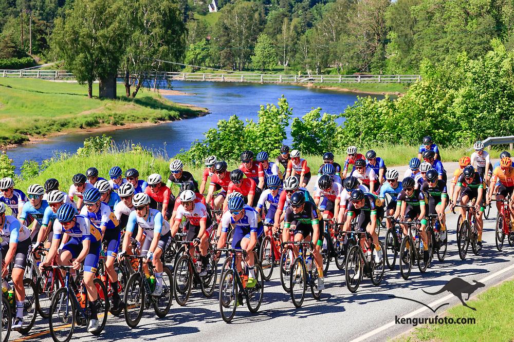 Vennesla 20210613. <br /> Fra landevei fellesstart U23 for herrer under sykkel-NM 2021 i Vennesla.<br /> Foto: Tor Erik Schrøder / NTB