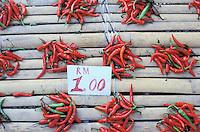 Malaisie, Etat de Sarawak (Borneo), Kuching, Marché du dimanche, Piments rouges // Malaysia, Sarawak (Borneo), Kuching, sunday market, chili