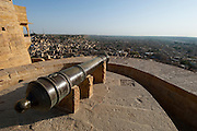 An old canon at Jaisalmer Fort, the 'Golden Fort'. It is one of the largest forts in the world. Jaisalmer, Rajasthan, India