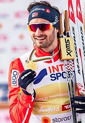 03.03.2019, Seefeld, AUT, FIS Weltmeisterschaften Ski Nordisch, Seefeld 2019, Langlauf, Herren, 50 km Massenstart, Siegerehrung, im Bild Goldmedaillengewinner und Weltmeister Hans Christer Holund (NOR) // Gold medalist and world champion Hans Christer Holund of Norway during the winner Ceremony for the men's cross country 50 km mass start competition of FIS Nordic Ski World Championships 2019. Seefeld, Austria on 2019/03/03. EXPA Pictures © 2019, PhotoCredit: EXPA/ JFK