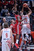 DESCRIZIONE : Milano Lega A 2015-16 Olimpia EA7 Emporio Armani Milano - Giorgio Tesi Group Pistoia<br /> GIOCATORE : Wayne Blackshear<br /> CATEGORIA : Tiro Contorcampo<br /> SQUADRA : Giorgio Tesi Group Pistoia<br /> EVENTO : Campionato Lega A 2015-2016<br /> GARA : Olimpia EA7 Emporio Armani Milano Giorgio Tesi Group Pistoia<br /> DATA : 01/11/2015<br /> SPORT : Pallacanestro<br /> AUTORE : Agenzia Ciamillo-Castoria/M.Ozbot<br /> Galleria : Lega Basket A 2015-2016 <br /> Fotonotizia: Milano Lega A 2015-16 Olimpia EA7 Emporio Armani Milano - Giorgio Tesi Group Pistoia