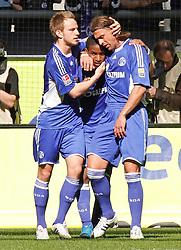 03.04.2010, Veltins Arena, Gelsenkirchen, GER, 1.FBL, Schalke 04 vs Borussia M^nchengladbach, im Bild: Schalker jubel nach 2:1 F¸hrungstreffer, links Ivan Rakitic (Schalke - CRO/SUI #10), Mitte Torsch¸tze Jefferson Farf·n / Farfan  (Schalke - PER #17) und rechts Marcelo JosÈ Bordon (Schalke - BRA/ITA #5), EXPA Pictures © 2010, PhotoCredit: EXPA/ nph/  Scholz  *** Local Caption *** / SPORTIDA PHOTO AGENCY