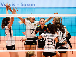16.05.2019, Montreux, SUI, Montreux Volley Masters 2019, Deutschland vs Polen, im Bild Germany cheering, left to right: Marie Schoelzel (Germany #14), Nele Barber (Germany #7), Elisa Lohmann (Germany #27), Denise Imoudu (Germany #13), Lena Stigrot (Germany #10) // during the Montreux Volley Masters match between Germany and Poland in Montreux, Switzerland on 2019/05/16. EXPA Pictures © 2019, PhotoCredit: EXPA/ Eibner-Pressefoto/ beautiful sports/Schiller<br /> <br /> *****ATTENTION - OUT of GER*****