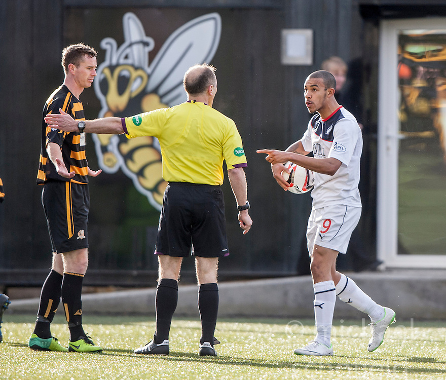 Falkirk's Phil Roberts shouts at ref George Salmond.<br /> Alloa Athletic 3 v 0 Falkirk, Scottish Championship game played today at Alloa Athletic's home ground, Recreation Park.<br /> © Michael Schofield.