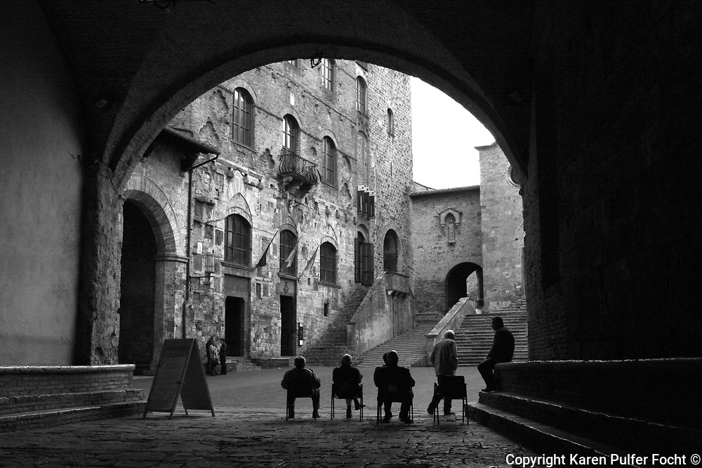 Street Scenes from Sangimignano in the Tuscany region of Italy. Specific details furnished upon request. © Karen Pulfer Focht