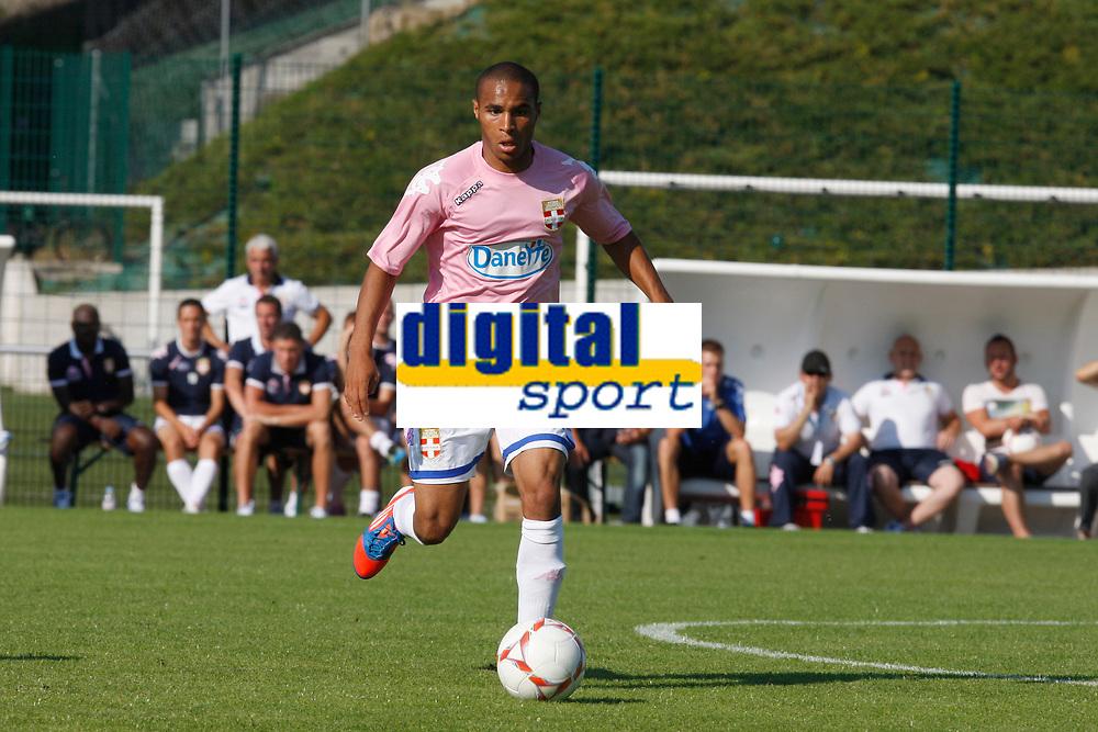FOOTBALL - FRIENDLY GAMES 2012/2013 - EVIAN TG v SC BASTIA - 24/07/2011 - PHOTO PHILIPPE LAURENSON / DPPI - ALI M'MADI (EVI)