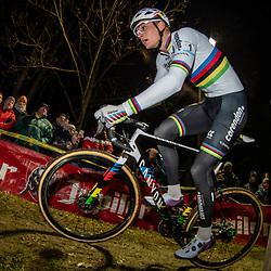 2019-12-29: Cycling: Superprestige: Diegem: Mathieu van der Poel cornering in the Park of Diegem
