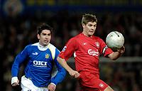 Photo: Daniel Hambury.<br />Portsmouth v Liverpool. The FA Cup. 29/01/2006.<br />Portsmouth's Richard Hughes and Liverpool's Steve Gerrard battle.