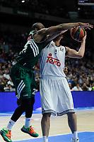 Real Madrid´s Felipe Reyes and Zalgiris Kaunas´s James Anderson during 2014-15 Euroleague Basketball match between Real Madrid and Zalgiris Kaunas at Palacio de los Deportes stadium in Madrid, Spain. April 10, 2015. (ALTERPHOTOS/Luis Fernandez)