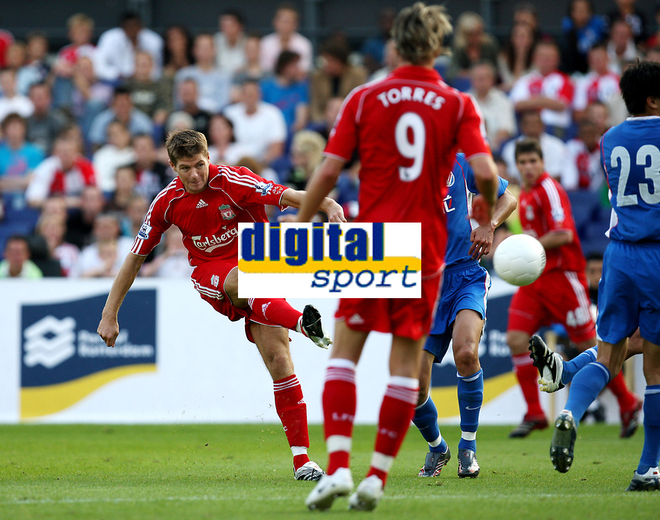 Photo: Maarten Straetemans.<br /> Shanghai Shenhua v Liverpool. Rotterdam Tournament. 03/08/2007.<br /> Steven Gerrard (8) scores the 0-2 for Liverpool