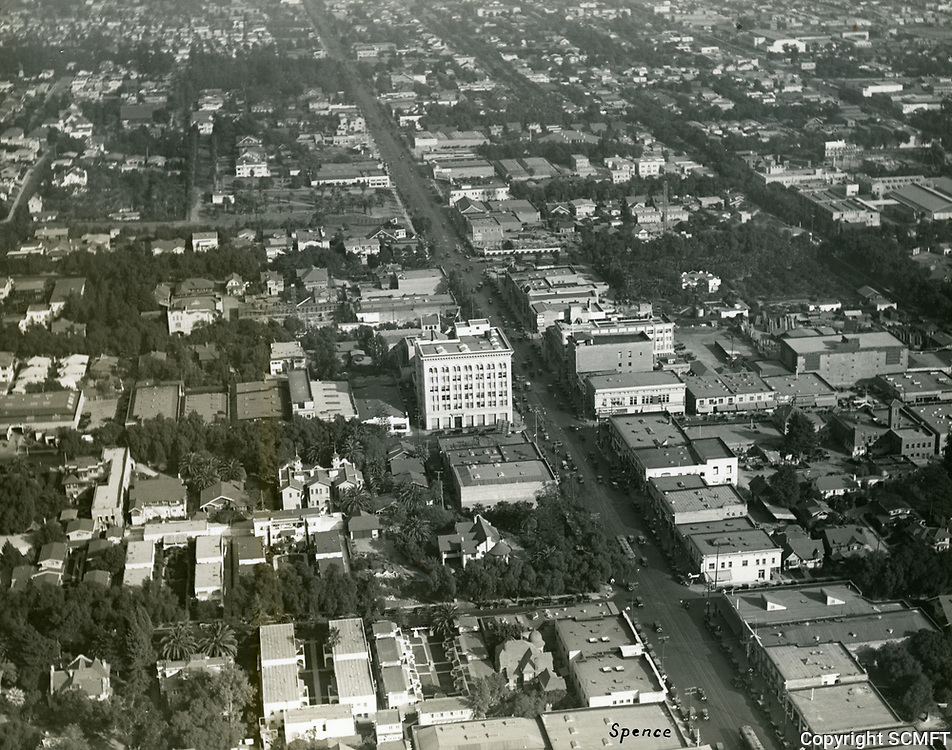 1923 Looking east on Hollywood Blvd. near Wilcox Ave.