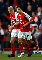 Fotball<br /> Premier League England 2004/2005<br /> Foto: BPI/Digitalsport<br /> NORWAY ONLY<br /> <br /> 30.10.2004<br /> Arsenal v Southampton<br /> <br /> Relief for Robin Van Persie after he made it 2-2