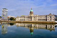 République d'Irlande, Dublin, Custom House, bâtiment néo-classique du XVIIIe siècle siège du Ministère de l'environnement // Republic of Ireland; Dublin, The Custom House, A neoclassical 18th century building designed by James Gandon