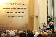 Koningin Beatrix opent in aanwezigheid van Prins Willem Alexander en Prinses Maxima het vernieuwde gebouw van de Raad van State in Den Haag .<br /> <br /> Queen Beatrix opens in the presence of Prince Willem Alexander and Princess Maxima to the new building of the State Council in The Hague.<br /> <br /> Op de foto / On the photo:  Kinigin Beatrix en Tjeenk Willink