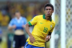 Paulinho comemora gol na partida entre Brasil e Uruguai válida pela Copa das Confederações, no Estádio Mineirão, em Belo Horizonte-MG. FOTO: Jefferson Bernardes/Preview.com