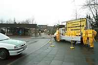 13.01.1999, Deutschland/Bonn:<br /> Greenpeace Demonstration vor dem Bundeskanzleramt (innerhalb der Bannmeile) gegen Wiederaufbereitung von Atombrennstäben, Bonn<br /> IMAGE: 19990113-02/01-17<br /> KEYWORDS: Atom, Atommüll, Kernenergie, atomic energy, nuclear energy, Demonstration,