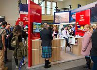 DEU, Deutschland, Germany, Berlin, 07.03.2019: Internationale Tourismus-Börse (ITB) auf dem Berliner Messegelände. Mann mit Schottenrock am Stand von Großbritannien, Great Britain, United Kingdom (UK), Schottland, Scotland.