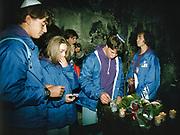 Oświęcim 22.04.1990. Marsz Żywych. Teren byłego obozu koncentracyjnego Auschwitz I .