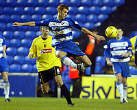 Photograph: Scott Heavey.<br />Reading v Watford. Nationwide Division One. 29/11/2003.<br />Match winner Steve Sidwell clears his lines