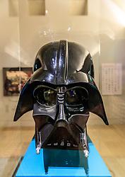 THEMENBILD - eine Darth Vader Maske aus den Spielfilmen Krieg der Sterne von George Lucas, aufgenommen am 09. Juni 2016 in Paris, Frankreich // a Darth Vader mask of the Star Wars Movies by George Luca, Paris, France on 2016/06/09. EXPA Pictures © 2017, PhotoCredit: EXPA/ JFK