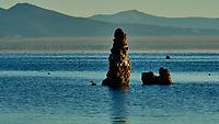 Mono Lake, South Tufa Area. Image taken with a Nikon D3 camera and 200 mm f/2 lens (ISO 200, 200mm, f/16, 1/60 sec).