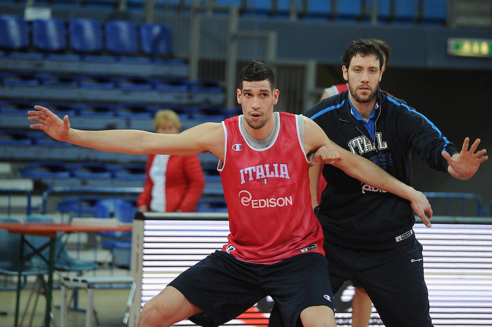DESCRIZIONE : Pesaro allenamento All star game 2012 <br /> GIOCATORE : Gino Cuccarolo<br /> CATEGORIA : difesa <br /> SQUADRA : Italia<br /> EVENTO : All star game 2012<br /> GARA : allenamento Italia<br /> DATA : 09/03/2012<br /> SPORT : Pallacanestro <br /> AUTORE : Agenzia Ciamillo-Castoria/GiulioCiamillo<br /> Galleria : Campionato di basket 2011-2012<br /> Fotonotizia : Pesaro Campionato di Basket 2011-12 allenamento All star game 2012<br /> Predefinita :