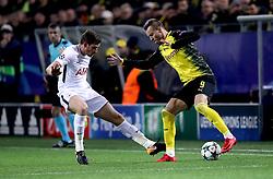 Borissia Dortmund's Andriy Yarmolenko (right) and Tottenham Hotspur's Jan Vertonghen (left) battle for the ball