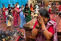 Agosto 2005 Nepal. Khatmandú<br /> Festividad hinduista de la celebración del cumpleaños de Shiva en la ciudad santa de Patan<br /> <br /> ©JOAN COSTA