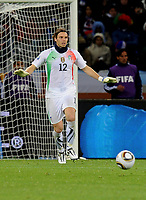 Fotball<br /> VM 2010<br /> 14.06.2010<br /> Paraguay v Italia<br /> Foto: Insidefoto/Digitalsport<br /> NORWAY ONLY<br /> <br /> Federico Marchetti (Italia)
