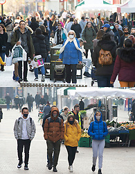 © Licensed to London News Pictures. 05/11/2020.  <br /> Bromley, UK. Comparison picture Yesterday 04.11.2020 a very busy Bromley High Street before lockdown and today Lockdown day one 05.11.2020. A near empty Bromley High Street in South East London today on the first day of a four week lockdown across England. Photo credit:Grant Falvey/LNP