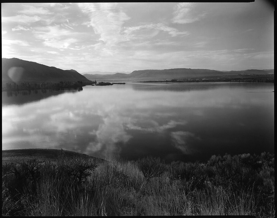 Looking west towards Brewster, Washington at the Big Bend of the Columbia River. 2015 Ancestral land of the Sqilxw People.