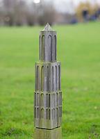 UTRECHT - GC Amelisweerd.  150 meter paaltje in de vorm van de Dom toren van Utrecht. COPYRIGHT KOEN SUYK